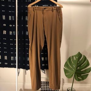 Lululemon Men's Commission Pants in Aviator Brown